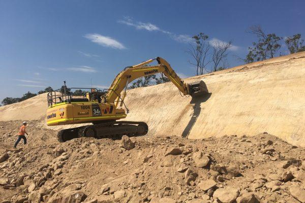 30t Excavator 02