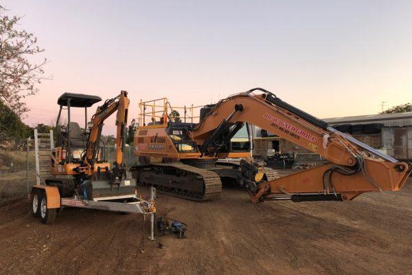 CX17C Excavator 03